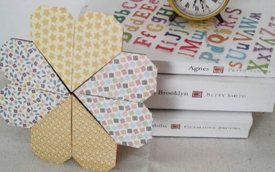 Crea un segnalibro origami a forma di quadrifoglio