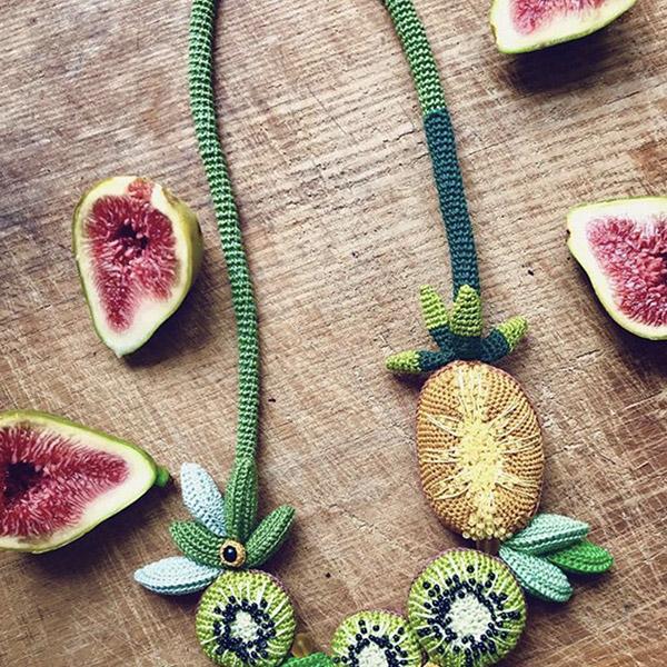 collana uncinetto frutta